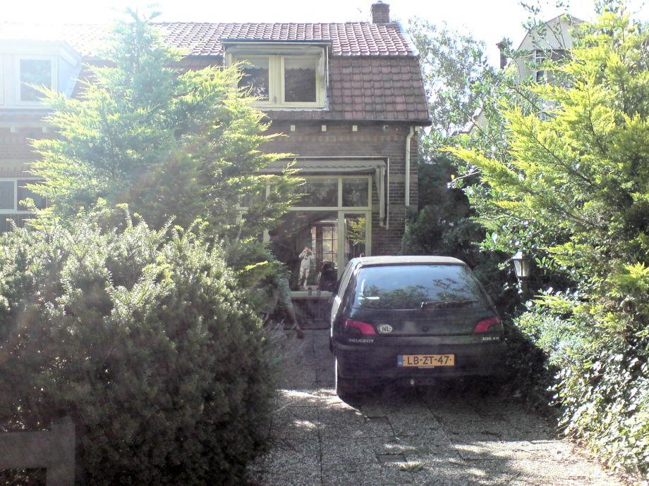 Ferienwohnung Hurkmans, NordHolland  Herr Jeremy Hurkmans ~ Esstisch Jeremy