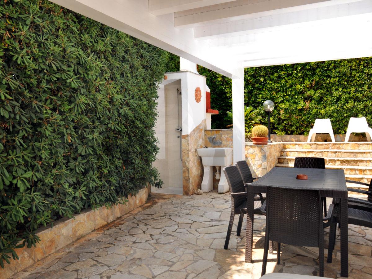 ferienhaus rosa apulien lecce frau maria luisa. Black Bedroom Furniture Sets. Home Design Ideas