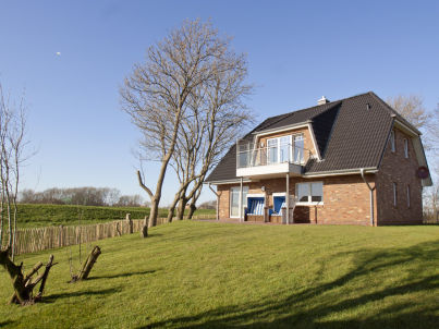 North Sea 5 Stars Holiday House Vacation with dog, sauna, fireplace, fence