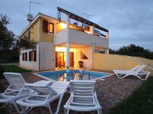 Villa Contessa Rosie