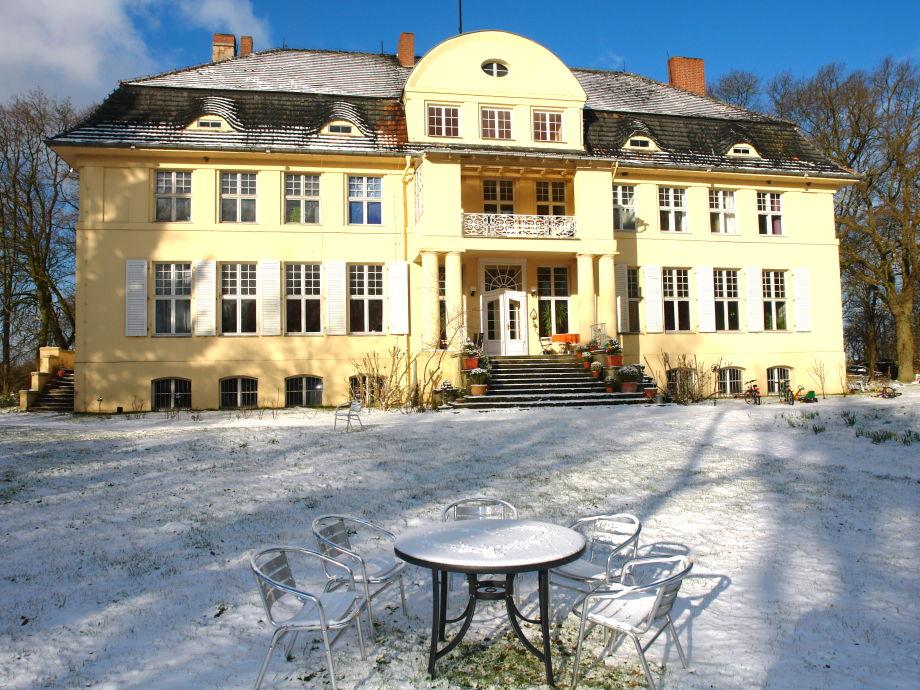 Das winterliche Herrenhaus