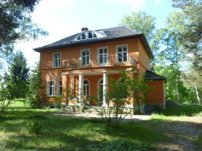 Villa am Stadtrand
