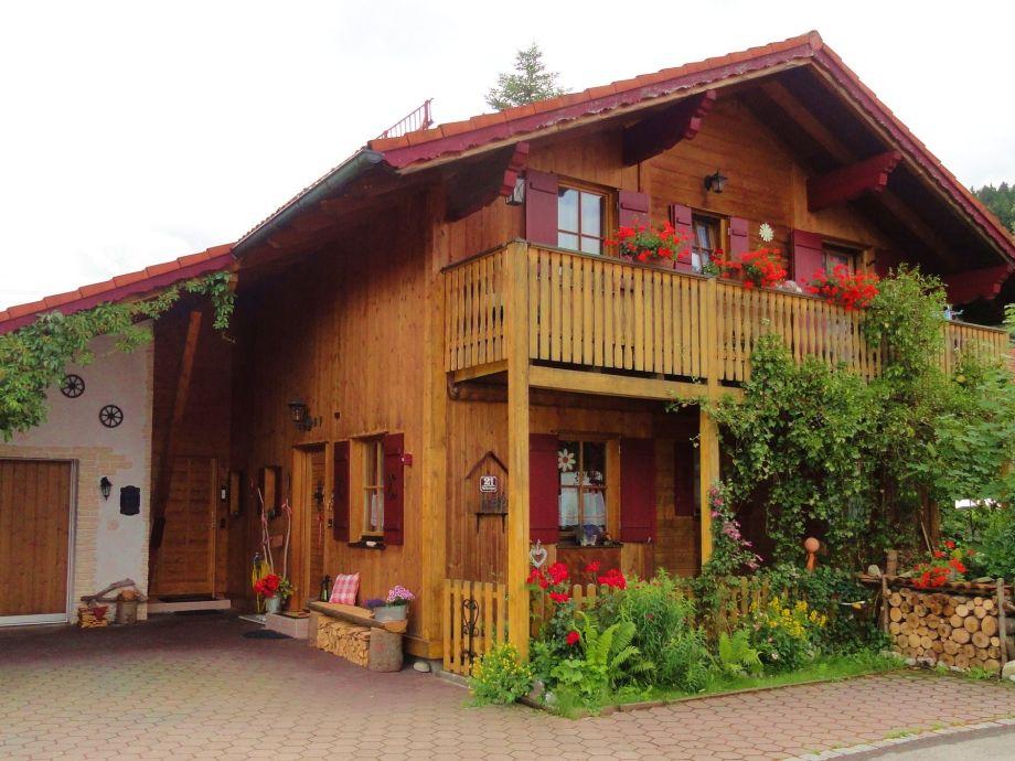 Haus mit Stellplatz für Auto