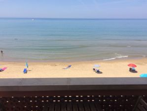 """Holiday apartment """"Libeccio"""" in front of the sea"""