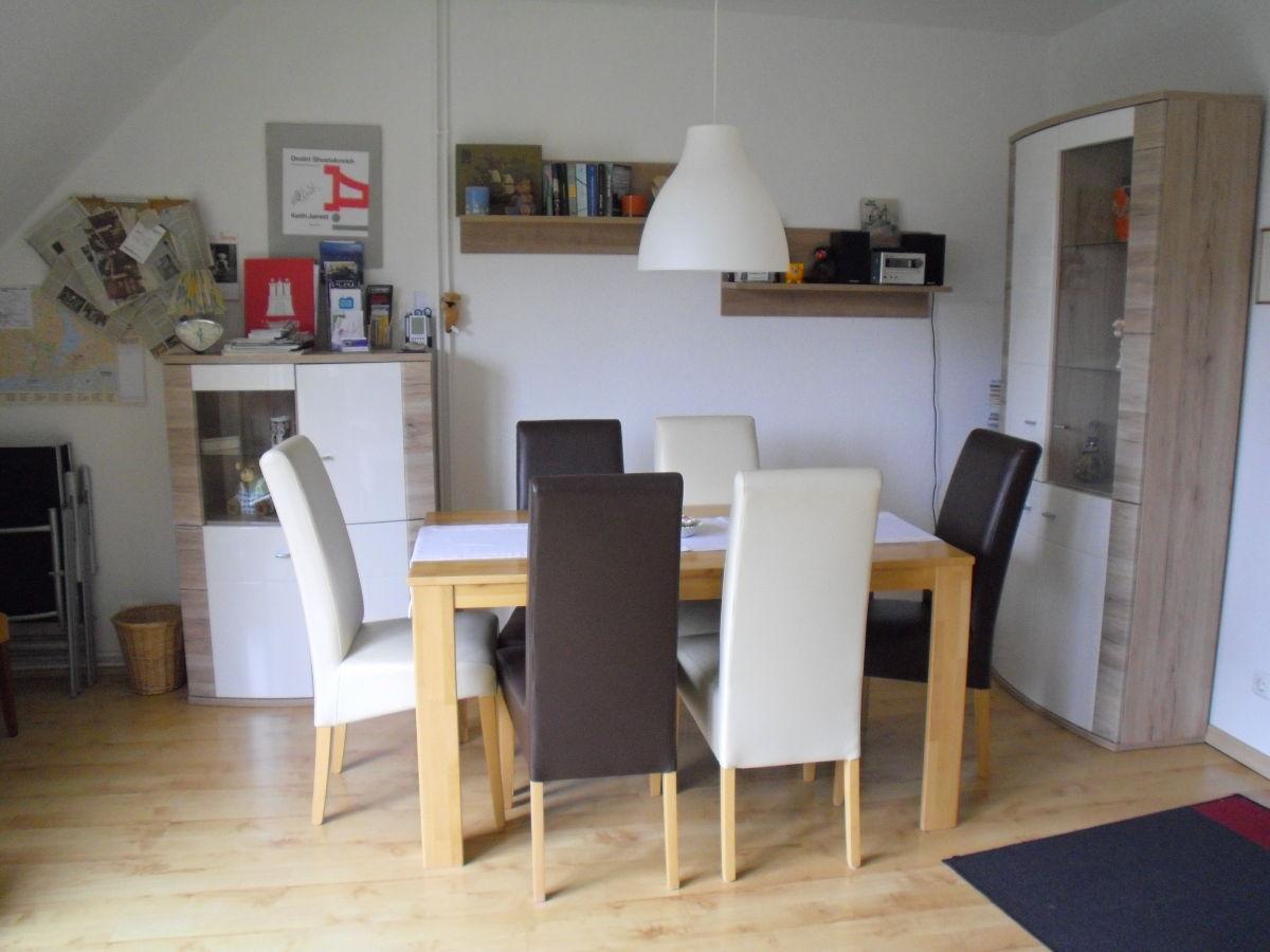 Ferienwohnung hamburg rahlstedt hamburg frau karin ott for Wohnzimmer mit esstisch