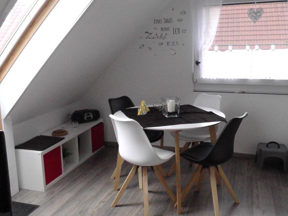 Wohnküche neuer Boden /Esstisch