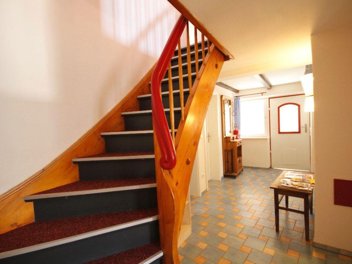 Ferienhaus merkel diessen am ammersee familie ute for Garderobe treppe