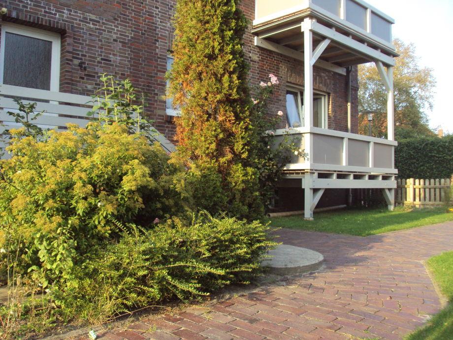 Eingang und Balkon