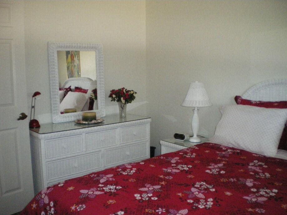 ferienhaus villa regine port charlotte frau wirt. Black Bedroom Furniture Sets. Home Design Ideas