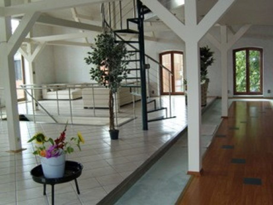Im Kornspeicher: Ein Studio für Zwei mit Speicherhalle