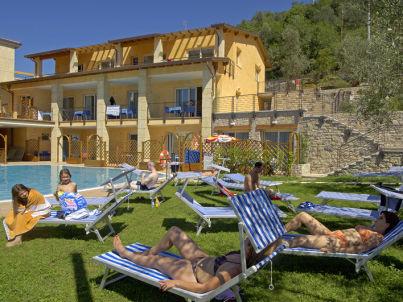 Residence Rosmari 2 Zimmer Whg am See mit Pool