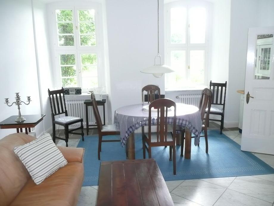 Wohnküche mit Ausziehesstisch