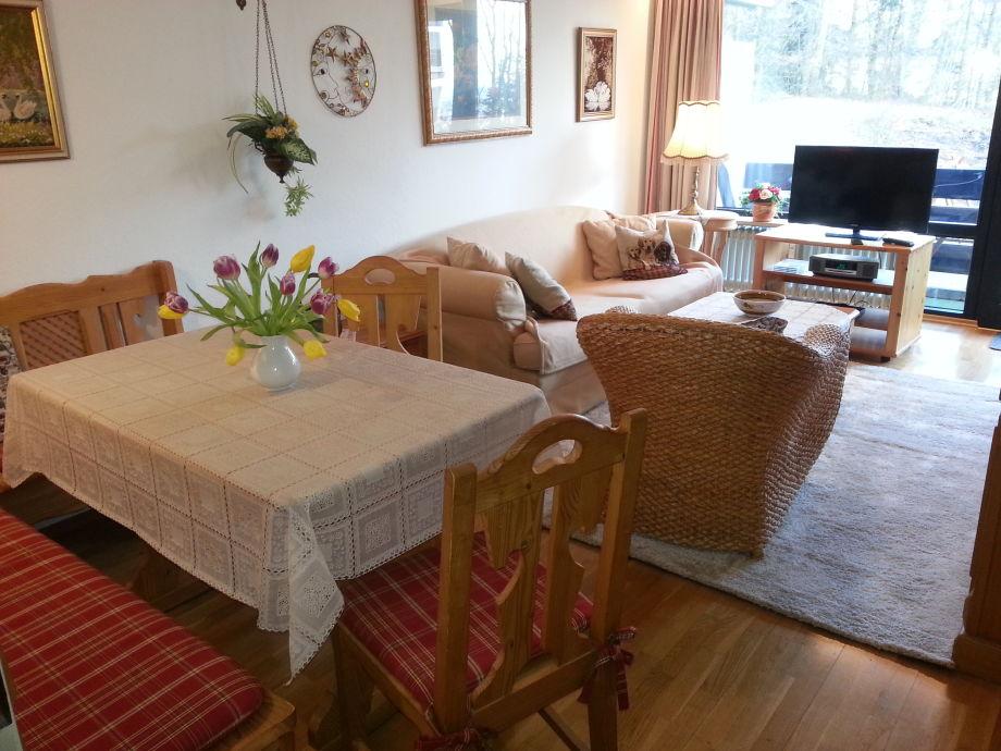 Das gemütliche Wohnzimmer mit Essecke