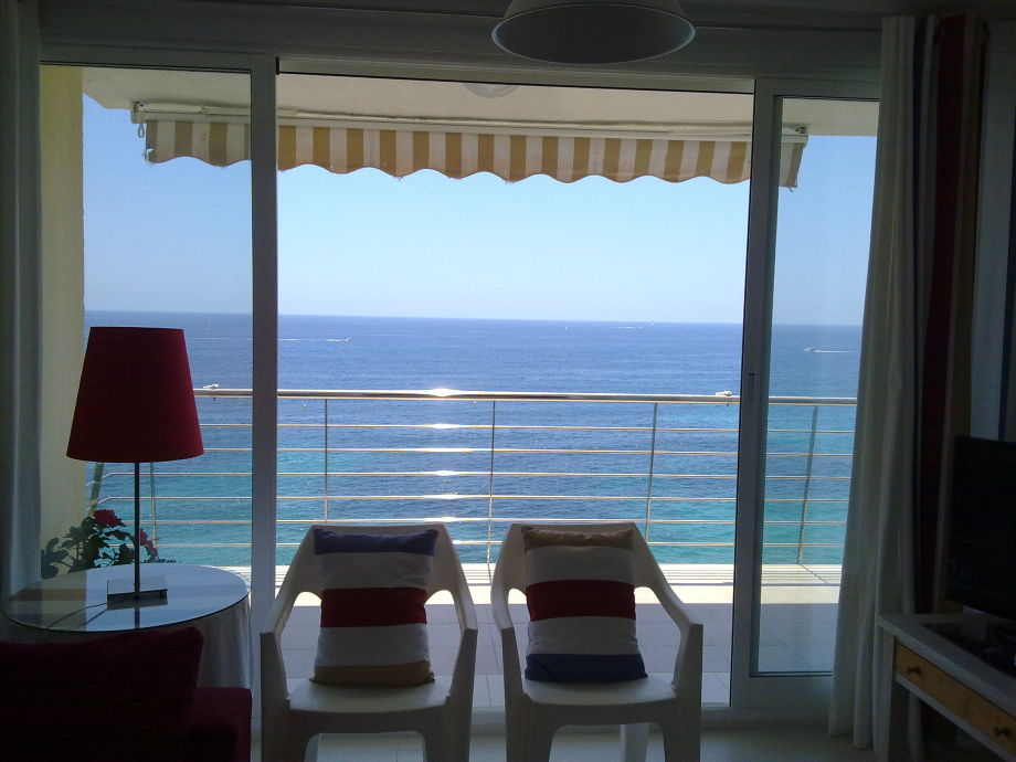 Aussicht vom Wohnzimmer ins Meer