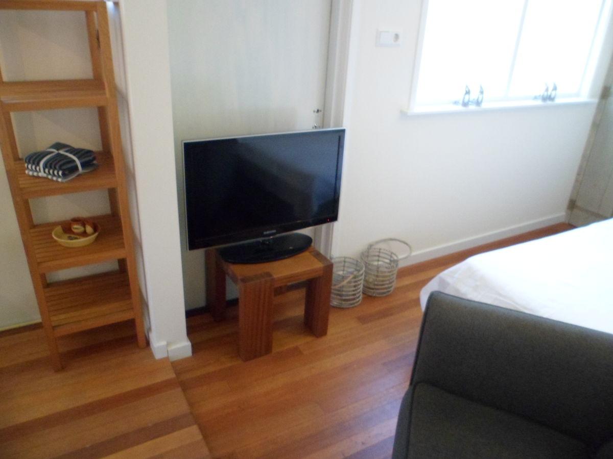 apartment bonbini zandvoort frau yvonne de mooij. Black Bedroom Furniture Sets. Home Design Ideas