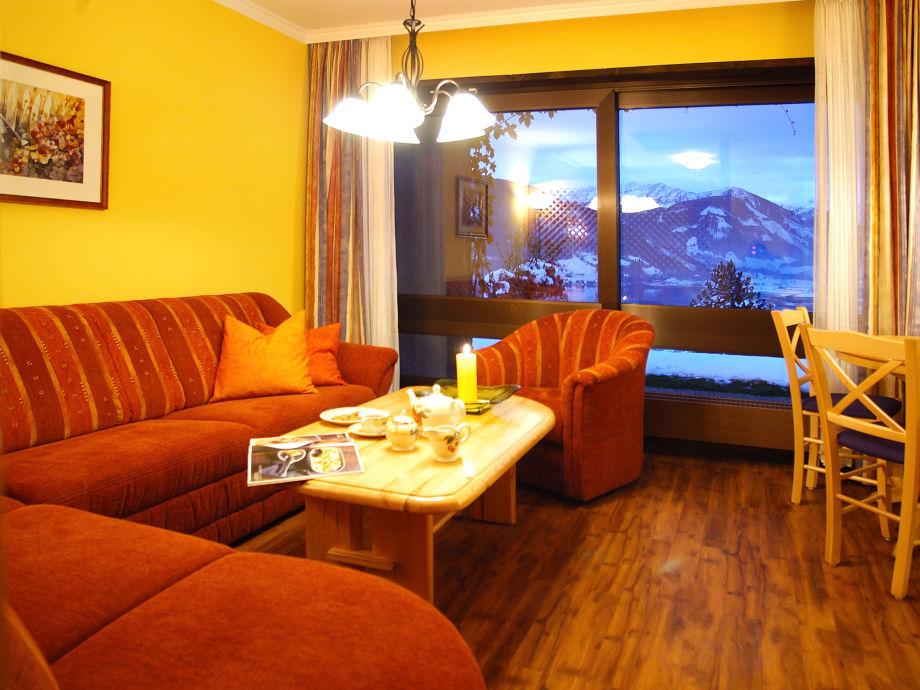 Sitzecke mit Panoramafenster