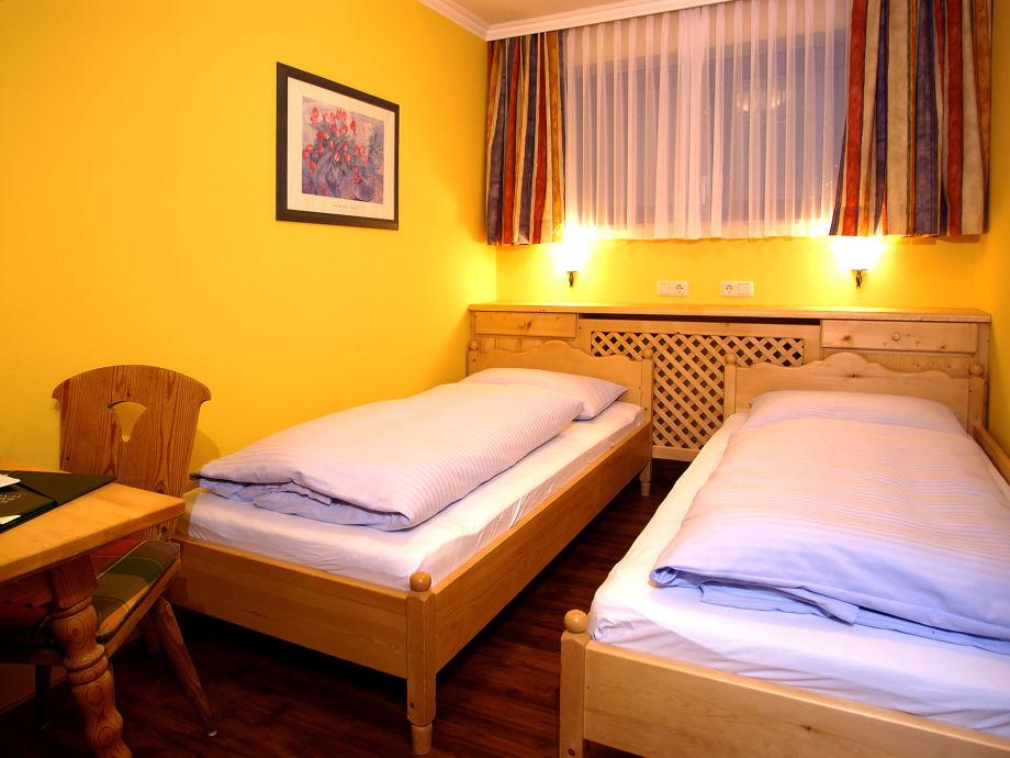 Ferienwohnung die bergresidenz zell am see firma appartementhaus lumpi frau adriana lumpi spelt for Romantisches schlafzimmer