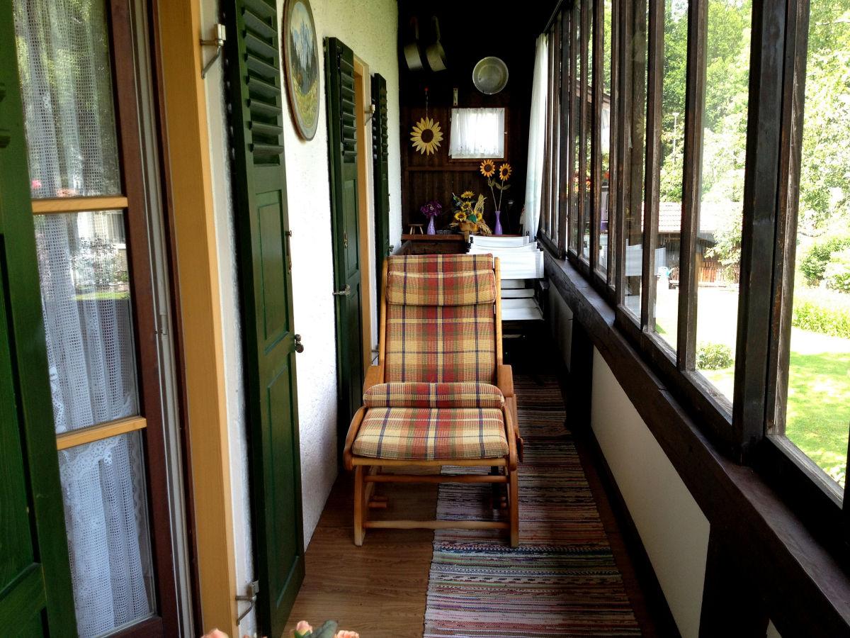 Ferienwohnung obergeschoss im haus fam f hrer for Schaukelstuhl balkon