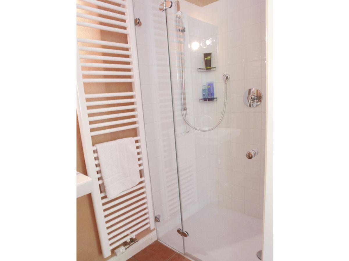 gutshof ferienwohnung herrenhaus ostsee schlei firma gutsverwaltung falkenberg herr armin v. Black Bedroom Furniture Sets. Home Design Ideas