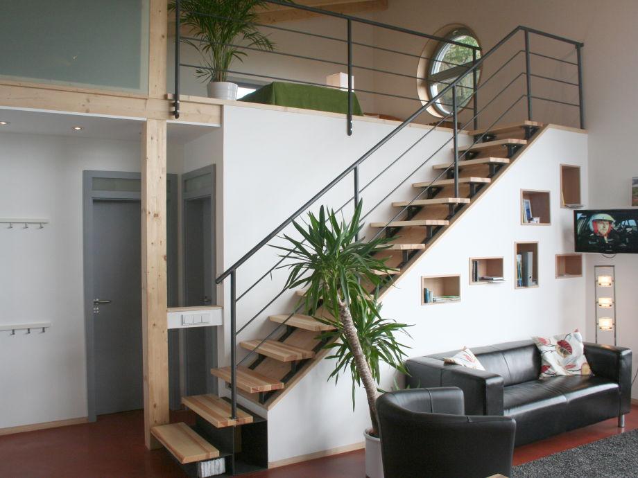 ... Bad ~ Wohnzimmer Mit Treppe Zugang quadratisches wohnzimmer gestalten