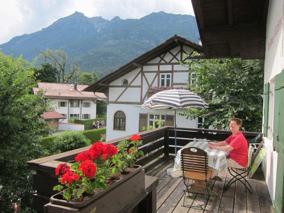 Balkon mit Bergsicht