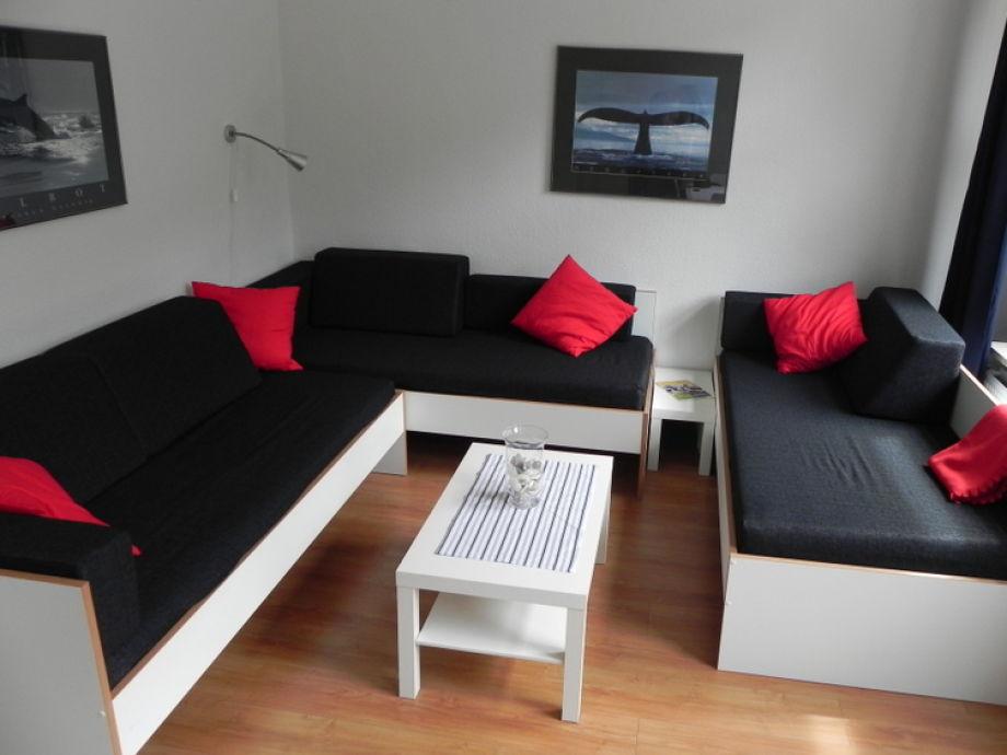 Wohnbereich mit gemütlicher Sitzecke (3 Einzelbetten)