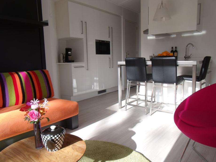 Gemütlichen Wohnzimmer im Sommer und Winter