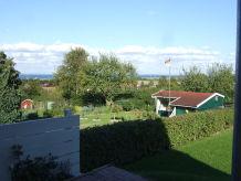 Ferienwohnung mit Terrasse & Ostseeblick