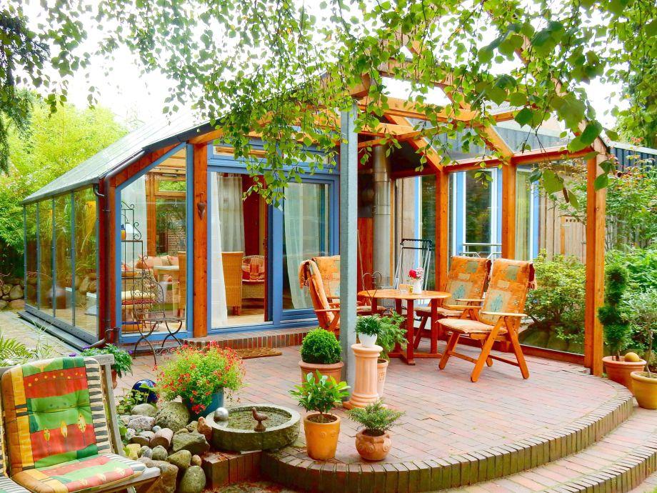 SCHÖNER WOHNEN *Wintergarten mit überdachter Terrasse