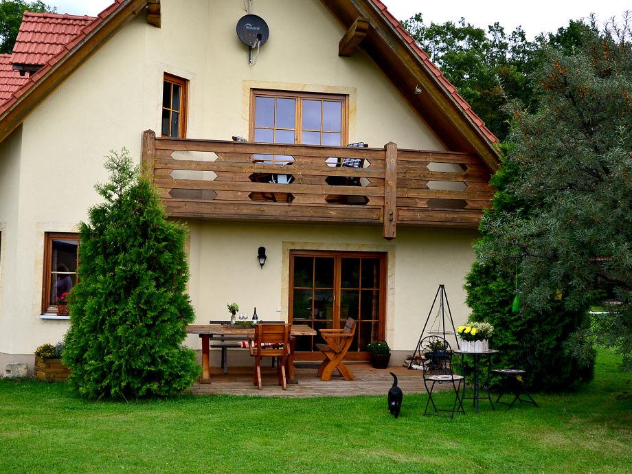 Aussenansicht Ferienwohnung und Terrasse