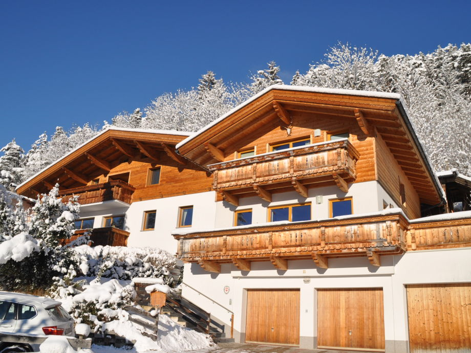 Chalet Schlossblick Südansicht im Winter