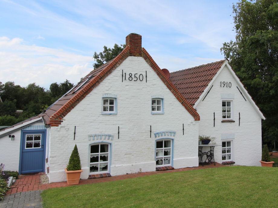 Das rechte Haus (62 qm) ist eine Idylle für sich.