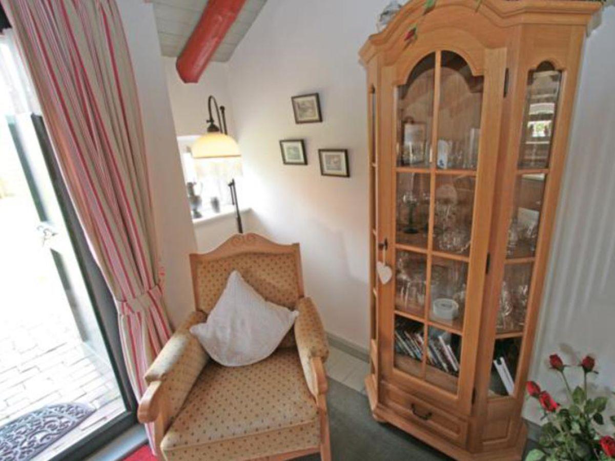 ferienhaus an der nordsee huus campen achterhuus nordsee ostfriesland frau ellen sarrazin. Black Bedroom Furniture Sets. Home Design Ideas