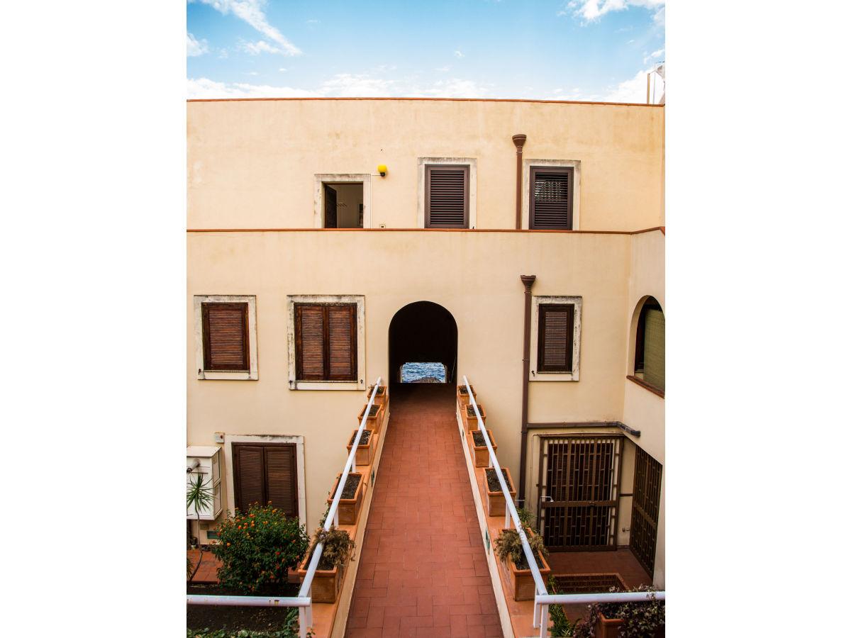 Apartment haus des zyklopen sizilien ostkueste catania for Apartment haus