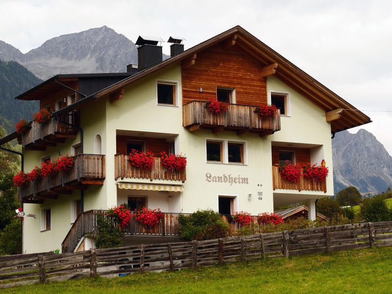 """Ferienwohnung """"Bergblick"""" im Landheim"""