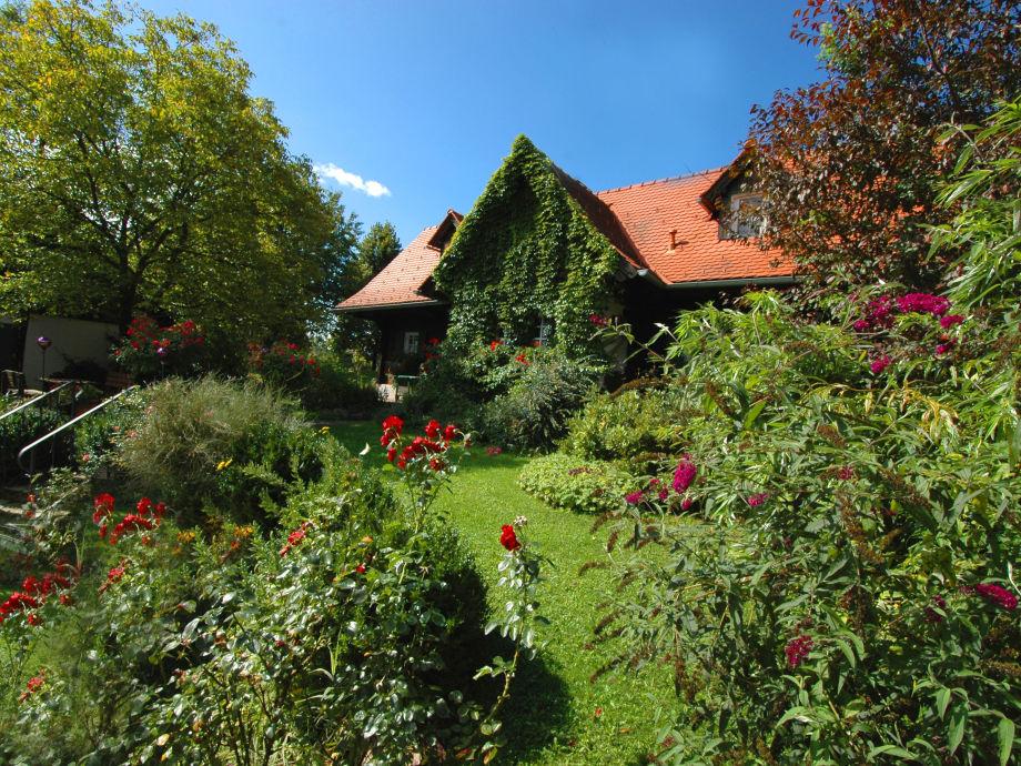Ferienhaus Hoamatl im Frühsommer