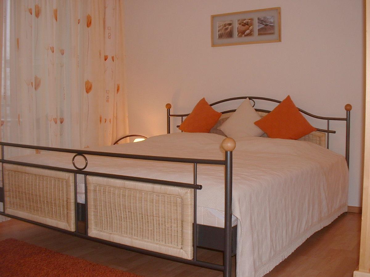 ferienwohnung ostseeidylle mit herrlichem meerblick. Black Bedroom Furniture Sets. Home Design Ideas