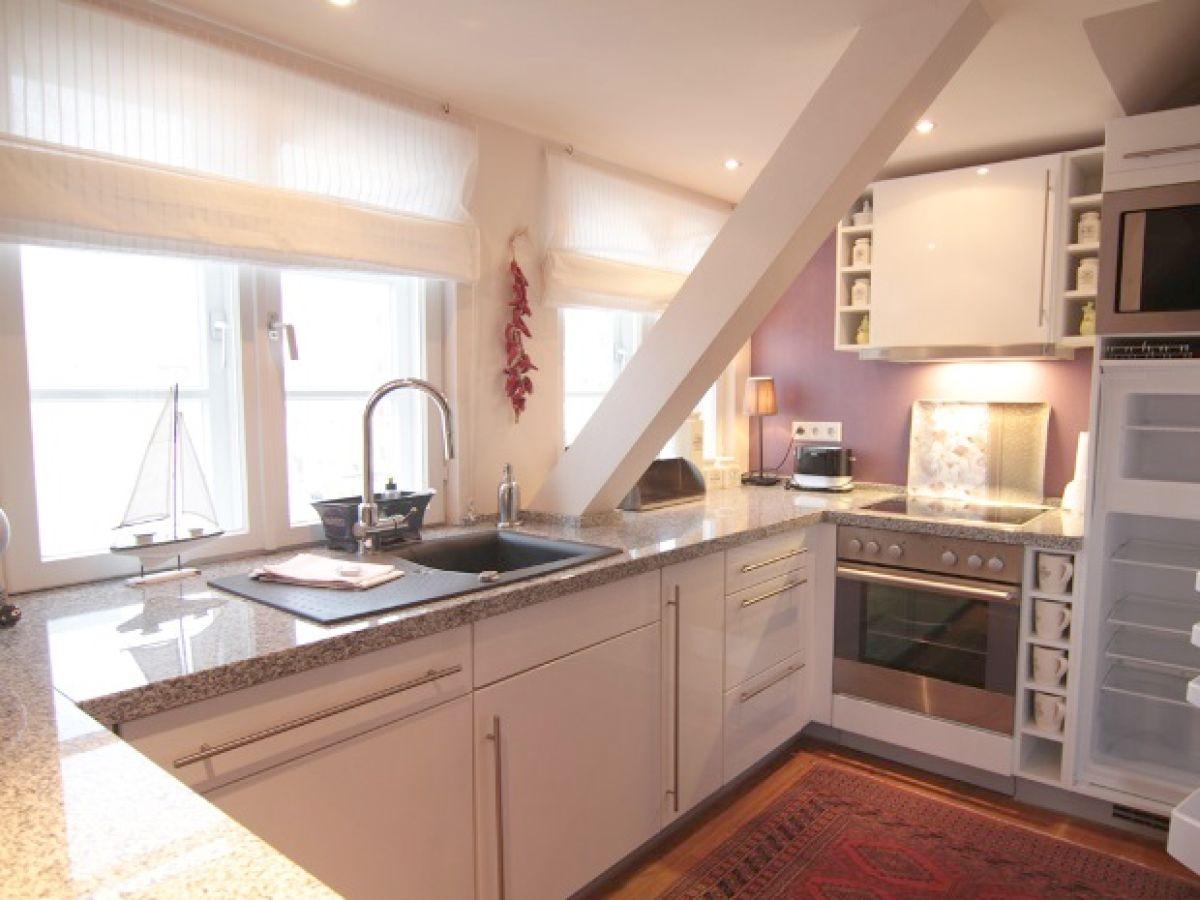ferienwohnung bomhoffstr 22 w6 westerland sylt nordsee firma gb sylt gmbh herr ulrich mitza. Black Bedroom Furniture Sets. Home Design Ideas