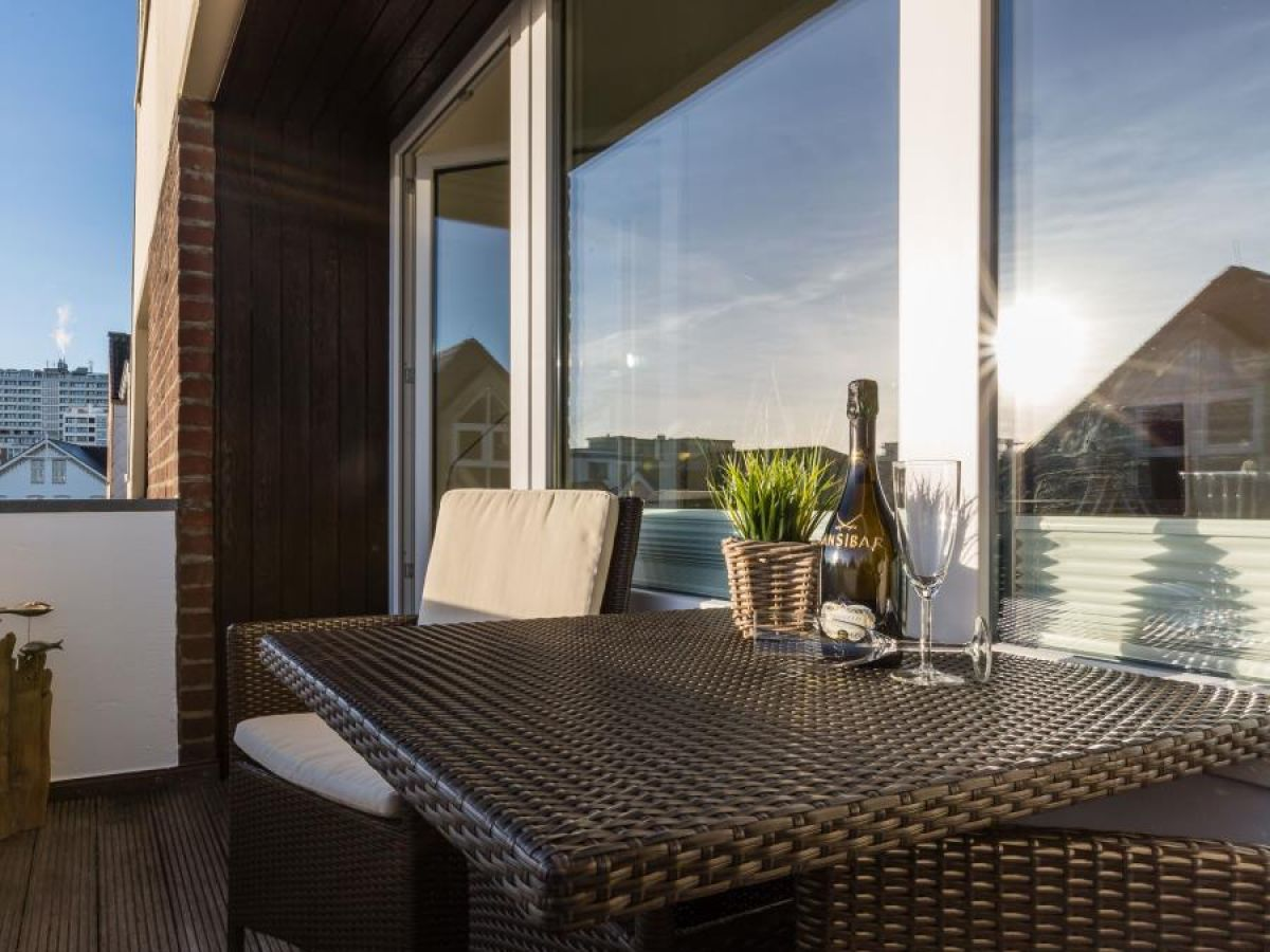 die strandburg ferienwohnung 13 westerland sylt. Black Bedroom Furniture Sets. Home Design Ideas