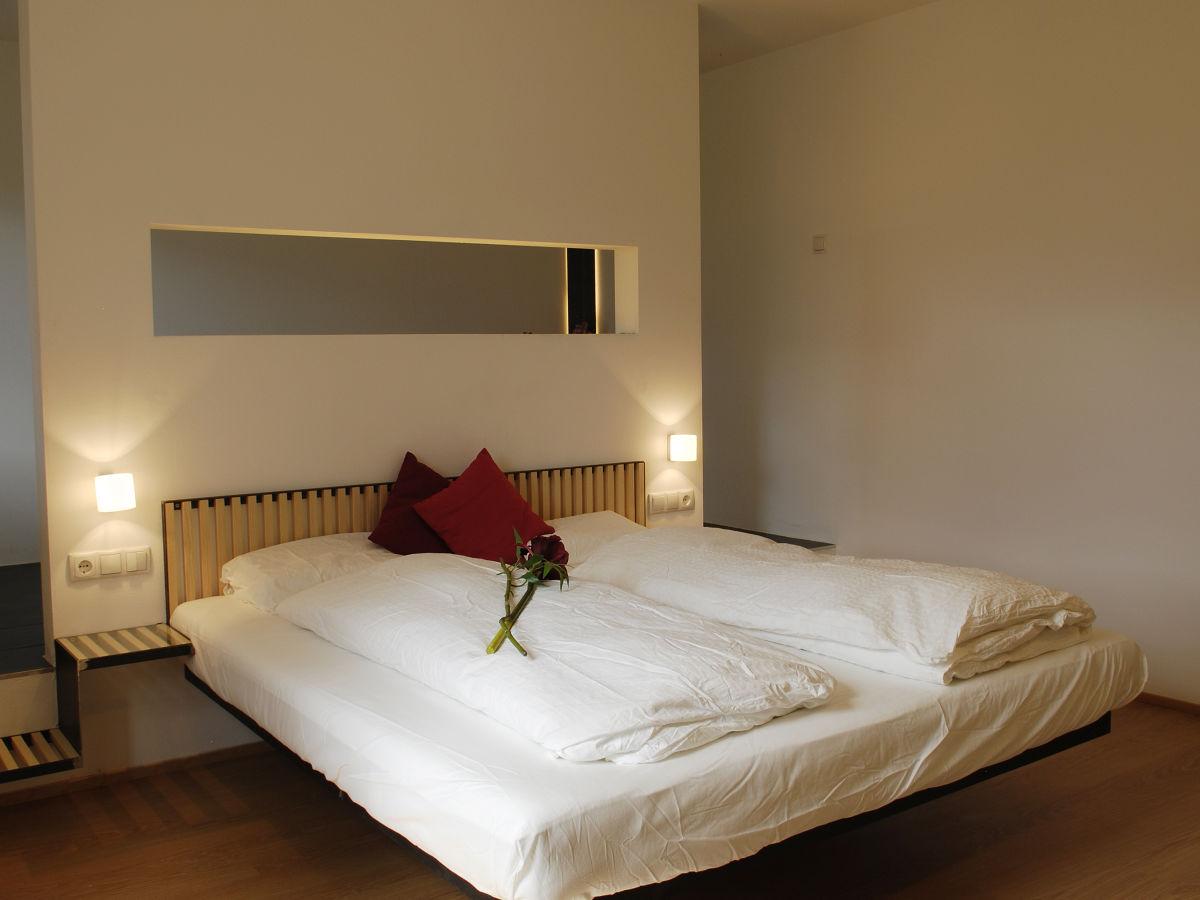 badewanne im schlafzimmer kahlenberg inspirierende beispiele, Schlafzimmer entwurf