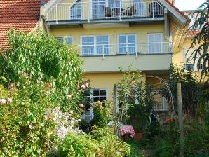 """Ferienwohnung """"Im Amselgarten"""" im Haus Naturgarten (DG)"""