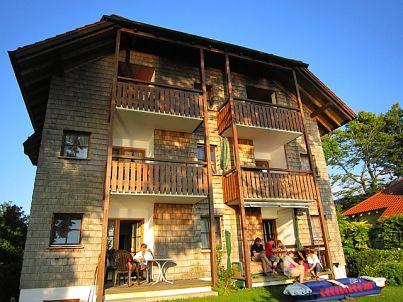 Chiemseestrand 21 - seeseitig mit See- und Bergblick