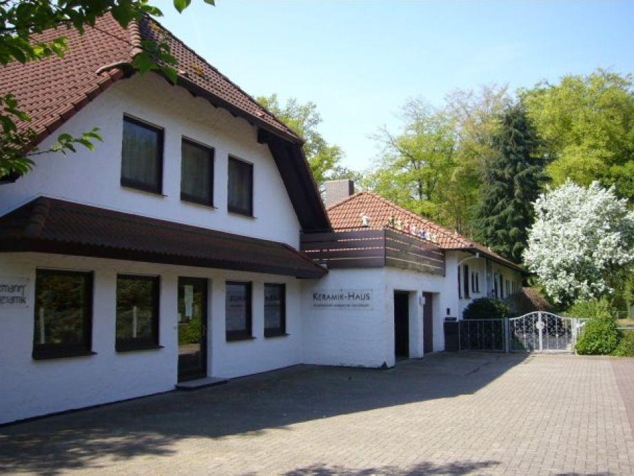 Außenansicht des Keramik-Hauses