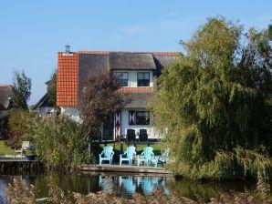 """Ferienhaus 47, 6 Personen De Luxe in Villapark """"De Buitenplaats"""""""