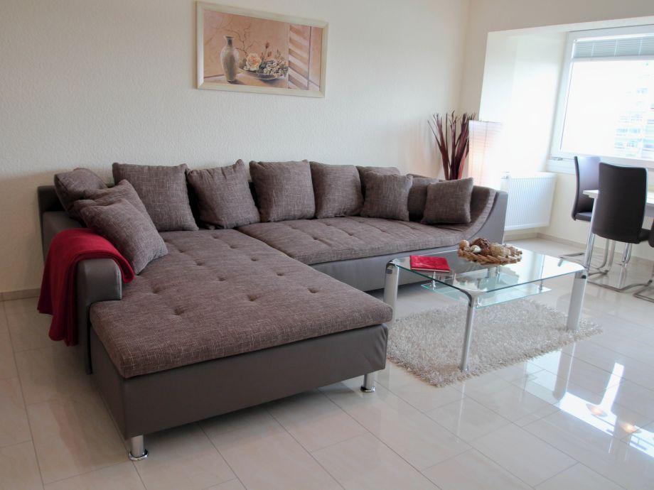 Wohnzimmer mit Teilseesicht