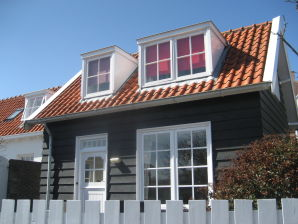 Ferienhaus Beatrixstraat 25
