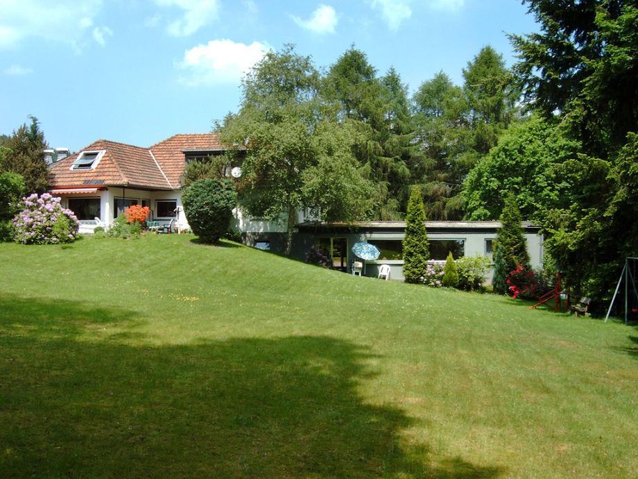 Ferienwohnung und großer Garten