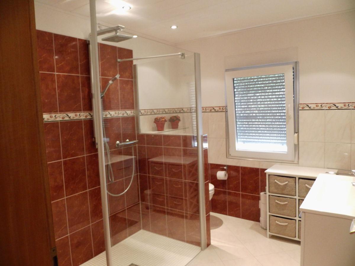 Badezimmer Mit Dusche Und Badewanne Modern Badezimmer Nur Mit