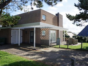 Villa Zeeweg 28