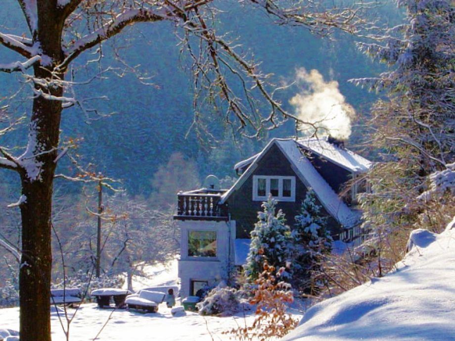 Blick vom Wanderweg auf das Ferienhaus